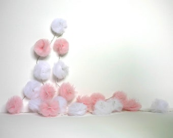 20 Led - Light string of PomPoms in pale pink and white tulle