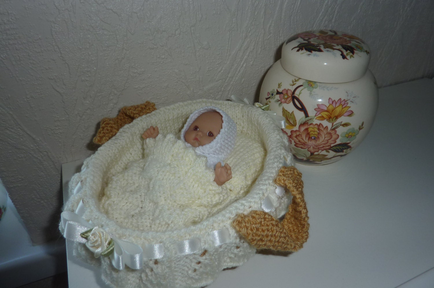 Knitting Pattern For Dolls Moses Basket : Knitted Moses Basket/ Crib/Cradle for 5-6 Inch doll