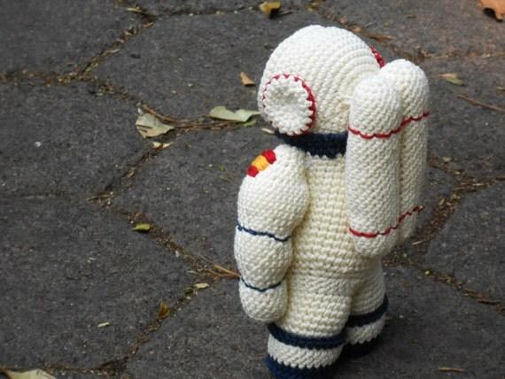 astronaut crochet - photo #13