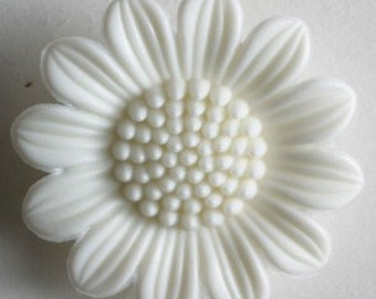 Dill Buttons USA 20MM White Daisy Button 280