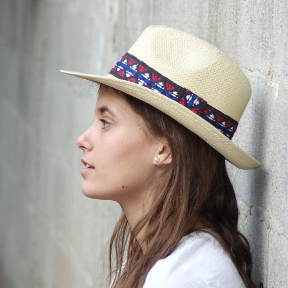 Panama hat , Straw hat , Unisex , White hat decorated with a vintage jacquard woven ribbon.