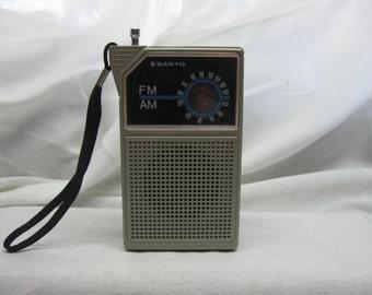Vintage Sanyo RP5047A hand held AM/FM radio