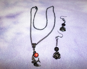 Gothic Metal Necklace with Red Rhinestone