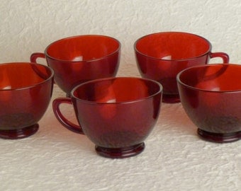 5 Vintage red cups