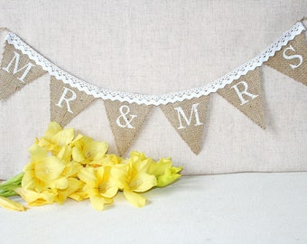 mr and mrs banner,  MR & MRS burlap banner, mr and mrs wedding banner, mr and mrs  rustic Wedding banner, rustic wedding, mr and mrs sign