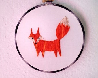 "Little Fox - 6"" embroidery hoop"