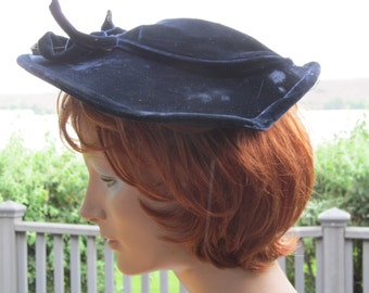Unique 1930s Winged Wool and Velvet Hat