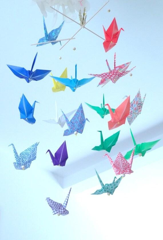 mobile en origami 20 cocottes sur papier par mamobilette sur etsy. Black Bedroom Furniture Sets. Home Design Ideas