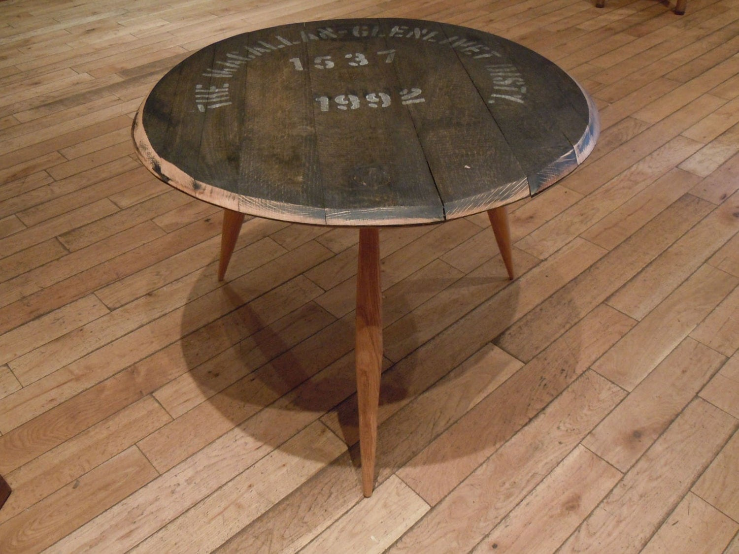 whiskey barrel coffee table | top-tuto