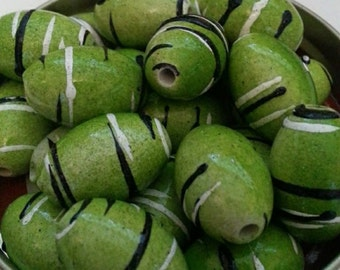 20mm Lime Swirls Bead