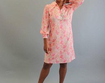 pink vintage dress, womens large . watercolor floral pink princess dress . 60s 1970s knee length dress . butterfly collar shirtdress