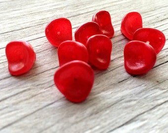 Czech glass flower beads,  three petal flower beads red raspberry 10 (FL03)