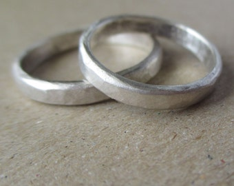 A Set.  2 Simple Hammered Bands.  3mm wide.  Sterling Silver.  Hammered Finish.  Wedding Bands.