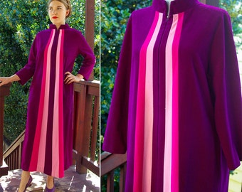 EGGPLANT 1970's Vintage Long Deep Purple + Pink Soft Robe // by JC Penney Loungewear // size Medium