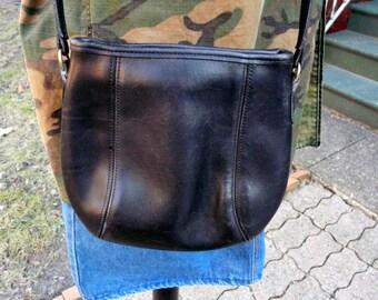 Vintage COACH black leather satchel purse crossbody strap