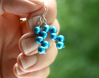 Turquoise Wedding Jewelry . Bright Teal Bridesmaid Earrings . Beach Wedding Bridal Jewelry . Metallic Pearl Earrings - Doll Collection