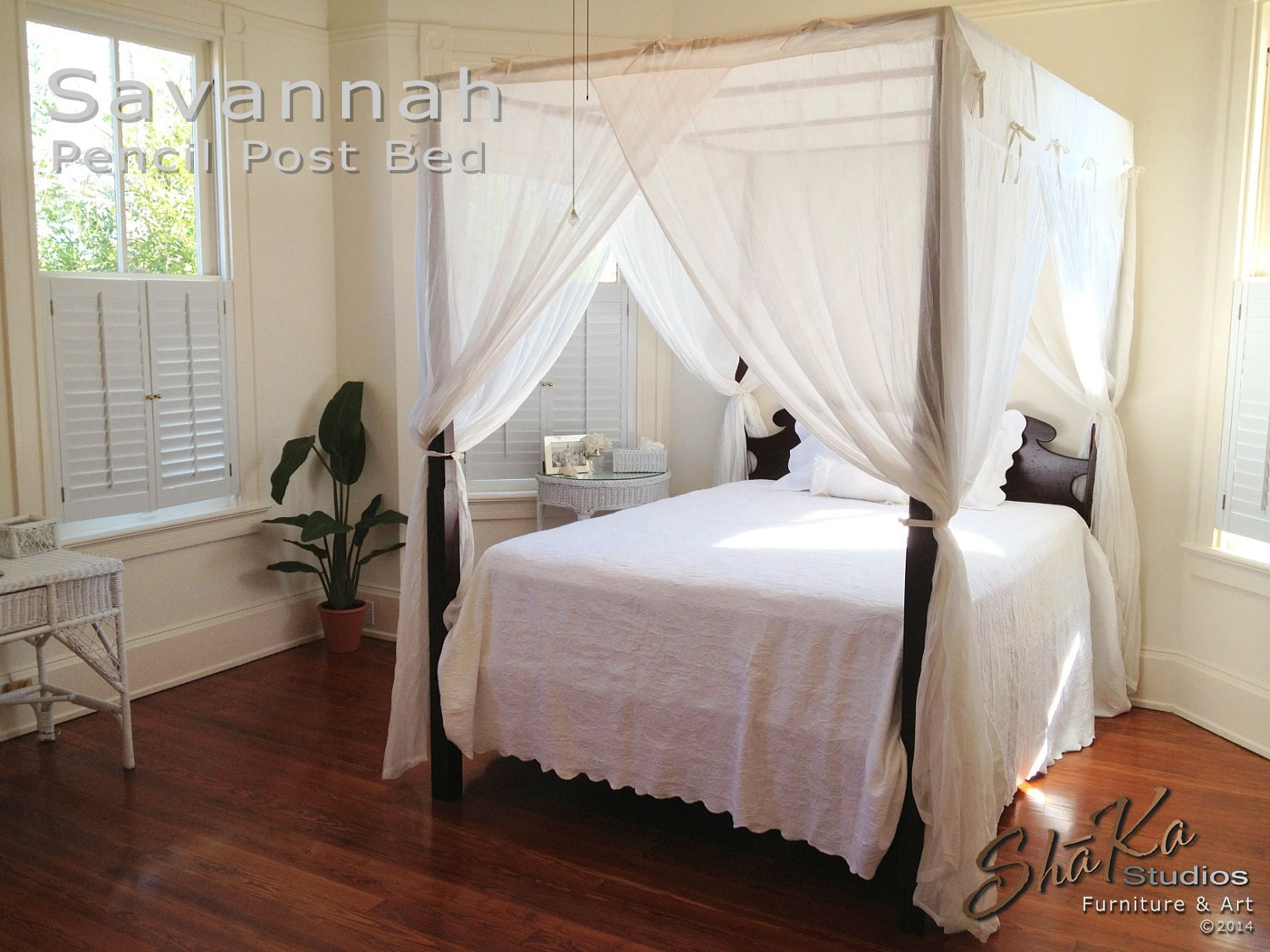 Savannah King Size Pencil Post Canopy Bed By Shakastudios