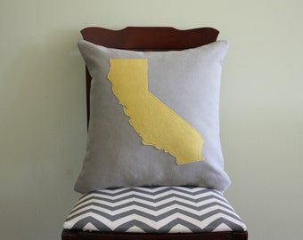 Throw Pillow Map / Map Pillow / Moving Away Gift / State Pillows / State Outline / California Pillow / State Pillow Case / State Map Pillow