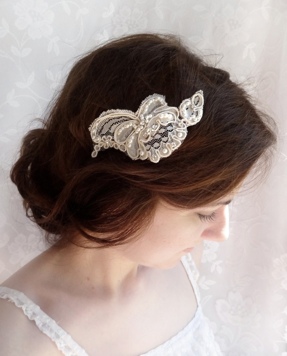 Bridal hair accessories can solidify your bridal theme to give you the vintage, beach, or boho style you strive for. 3. Take hue into consideration. The color of your bridal hair accessories should correspond to your style and theme. Stay true to your authentic style and pick a color that will light up your look.