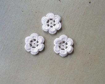 Crochet Flowers Appliques 118.21 - Round Flowers in White Color  - 2 Layers - 6 Petals -  3 pcs