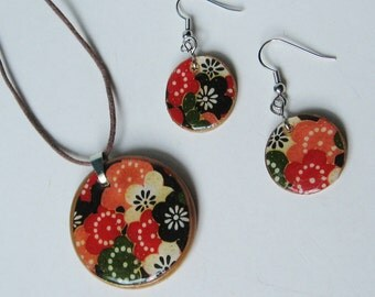SALE SET Floral Collage Natural  Wood Pendant Necklace Earrings