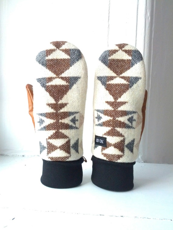 Reserved listing for Rosekash Geometric cream wool and tan leather mittens