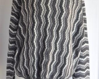 70's Italian Vintage Mod print grey & black sweater unisex