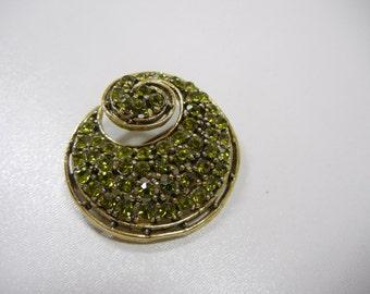 Green Rhinestone Swirl Pin / Round Brooch with Peridot color Stones / Vintage / August birthday / Mother / wedding pin / Swirl