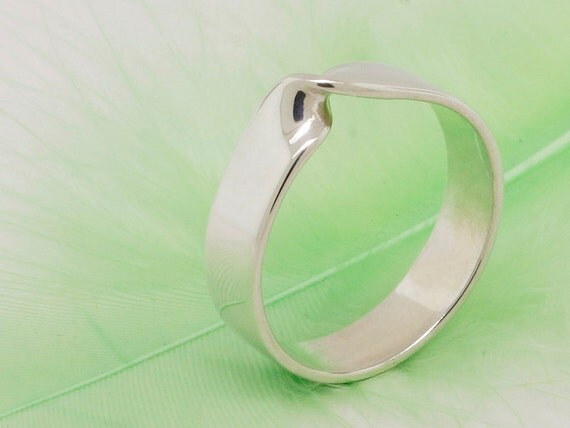 Mobius strip ring, infinity ring, sterling silver ring, unity ring - large band