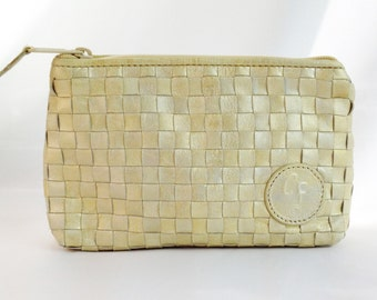 Vintage 1980s Carlos Falchi Golden Blonde Cream White Leather Zippered Pouch Bag. Intreccio Weave. Shimmer Finish.