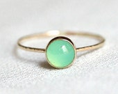 Vivid Green Chrysoprase Ring in Solid 14k Gold - Simple and Tiny Solid 14k Yellow Gold Dainty Chrysoprase Stack Ring with Hammered Band