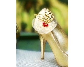 Golden Gold & Red Shoe Clips. Christmas Winter Wedding Bridal Gift. Handmade Vintage Style Shoe Pin, Ivory White Pearl, Dainty Couture Bride