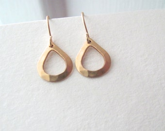 Small gold tear drop earrings, hammered raw brass on 14k gold plate fixtures, geometric jewelry