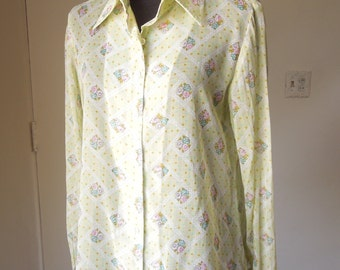LAST CHANCE SALE...Vintage 70s Sheer Shirt, Light Green Ditsy Floral Print, Size Small to Medium