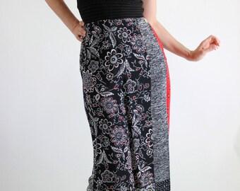 SALE - Vintage 90s Black Red Floral Print Skirt