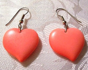 Red Pink Puffed Hearts Pierced Wire Earrings Silver Tone Vintage Smooth Matte Dangles