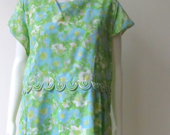 Chic Vintage 1960's Green and Blue Watercolor Dress