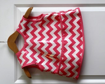 SALE 20% OFF Kids 4/5 Art Smock Craft Smock with Hot Pink Chevrons