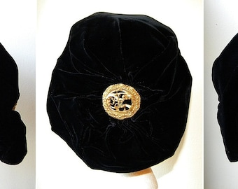 Ultimate Lush Vintage Velvet Turban Style Hat With Antique Pin