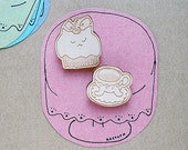 laser cut wood brooch - catpcake tea set wooden Biscuit cat capcake