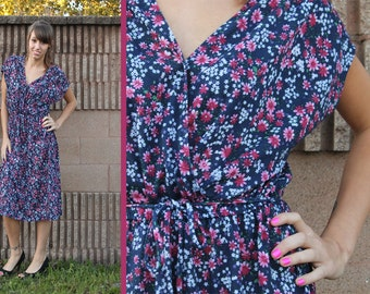 Vintage 70s 80s Navy FLORAL Jersey SURPLICE Criss-Cross Dolman Cap Sleeve Tie BELTED Midi Day Dress - Med M