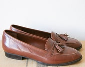 Women's Shoes. Vintage Leather Loafers. 80s Flats. Etienne Aigner. Size 6.