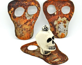 Old Rusty Metal Skull - Ghoul - Halloween Mixed Media - Collage - Altered Art  Assemblage