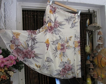 Gorgeous Light-Weighted Floral Skirt, Vintage - Large