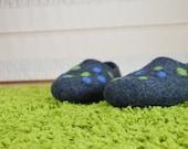 Handmade felt slippers / house shoes. BUBBLES