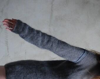 Gray minimalist tunic sweater