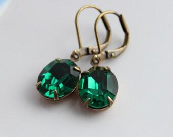 Swarovski Emerald earrings, Swarovski earrings, Emerald earring, Emerald green earrings, Emerald earring, emerald drop earrings VE06