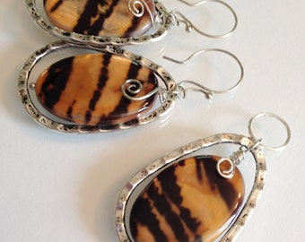 Natural Tiger Shell Beads Pendant and Earrings
