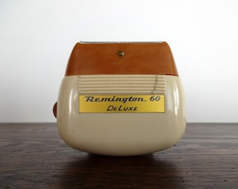 Vintage Remington 60 DeLuxe Electric Shaver