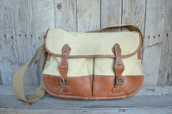 Vintage Made In England Banana Republic Canvas and Leather Field Messenger Briefcase Bag